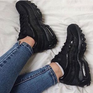best loved 5f4f2 9e436 Nike Shoes - Nike AIR MAX 95 Women s triple pure black shoes